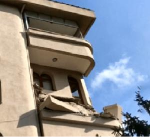 çökmüş balkon