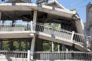 depremde bina nasıl çöker